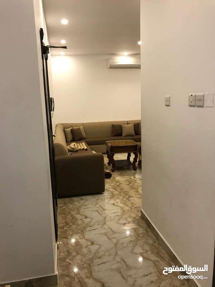 للايجار شقة  في واحات المحرق. For rent apartment in oases of Muharraq