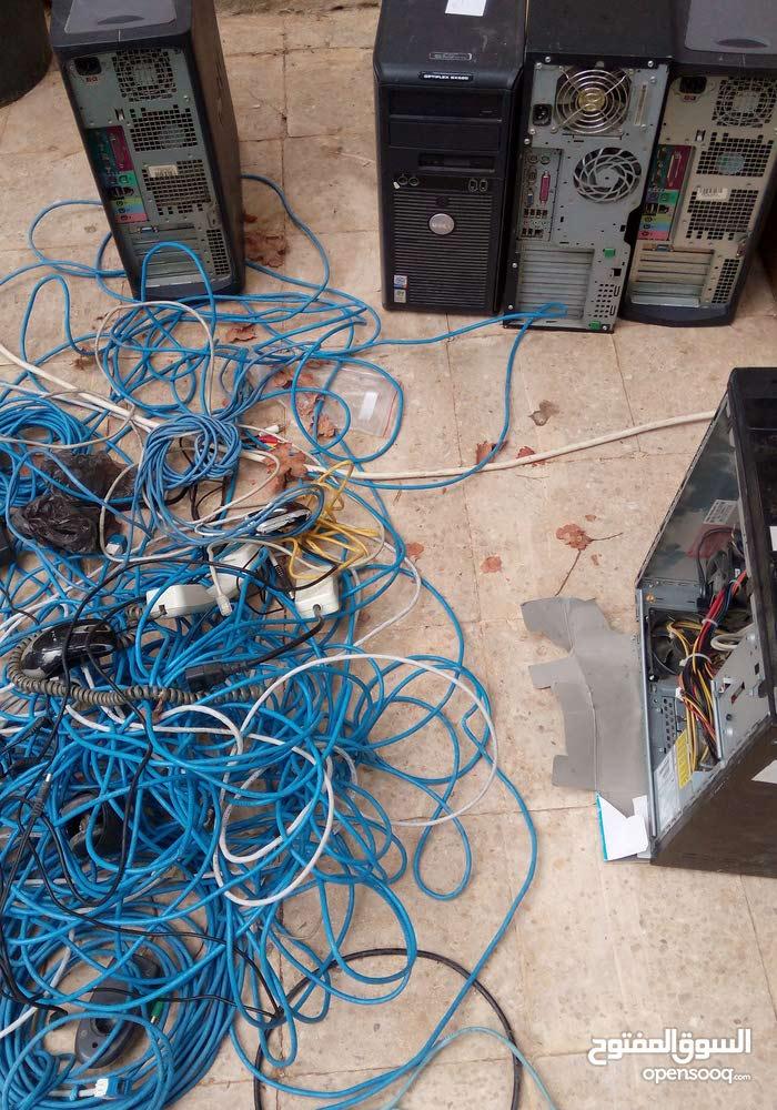 كمبيوترات  .كيسات. شاشات كمبيوتر.  وصلات .كوابل  تلفونات مكاتب