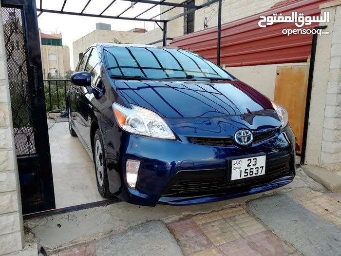 Used condition Toyota Prius 2013 with 100,000 - 109,999 km mileage