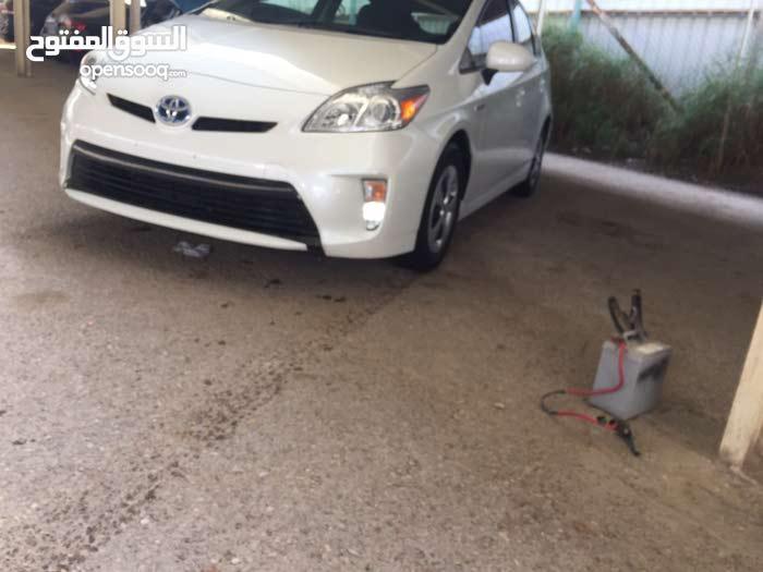 White Toyota Prius 2014 for sale