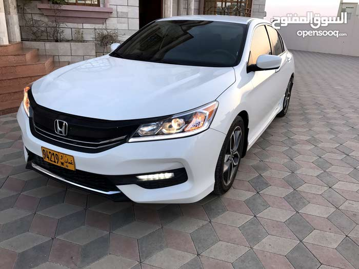 Automatic Honda 2017 for sale - Used - Al Masn'a city