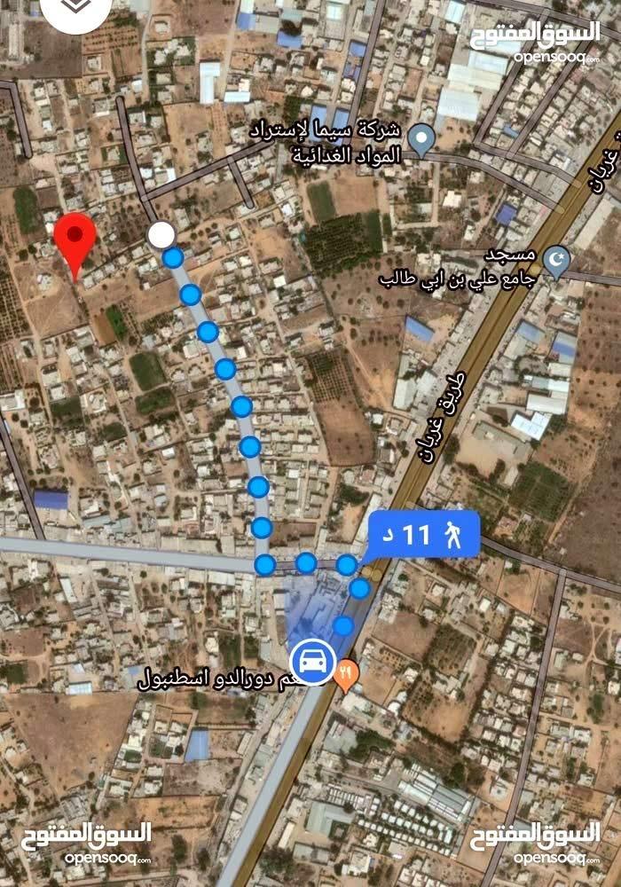 أرض مساحتها 353متر على 255دينار المتر في كريمية قريبة من محلات الجملة