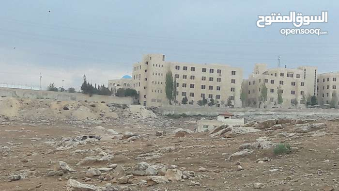 شفابدران 2750م على حد مرج الفرس مقابل جامعة البلقاء شارع معبد بسعرررر لقطططه