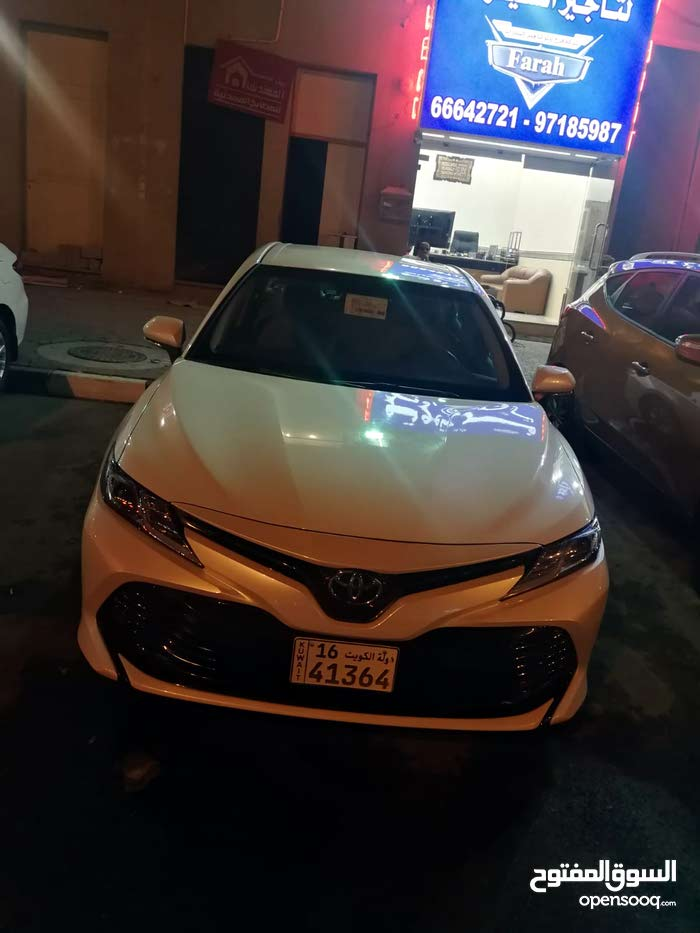 Renting Toyota cars, Camry 2018 for rent in Farwaniya city