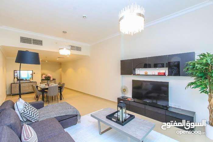 أدفع 35 ألف درهم وأستلم شقة غرفتين وصالة فوراً في أفخم برج في عجمان، التقسيط على 8 سنوات