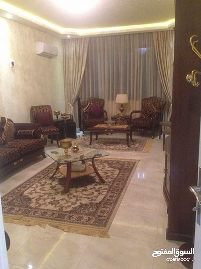 شــقة للبيع - شارع عمر المختار ** العمارات الجدد - امام برج طرابلس **