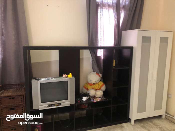 غرفة للايجار بالعزيزية فرش كامل شاملة الماء والكهرباء والانترنت