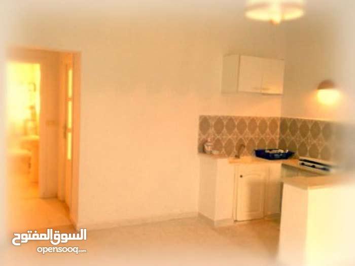 منزل مؤثثة للإيجار في تونس