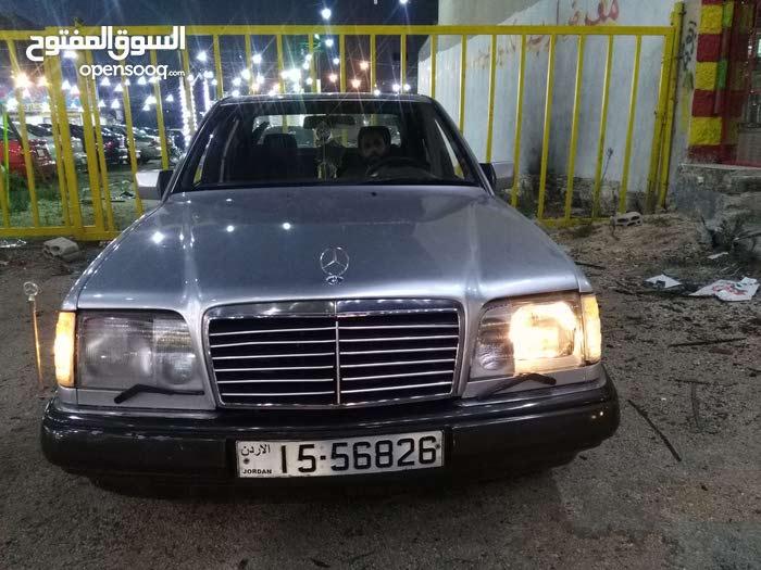 Used condition Mercedes Benz E 200 1985 with +200,000 km mileage