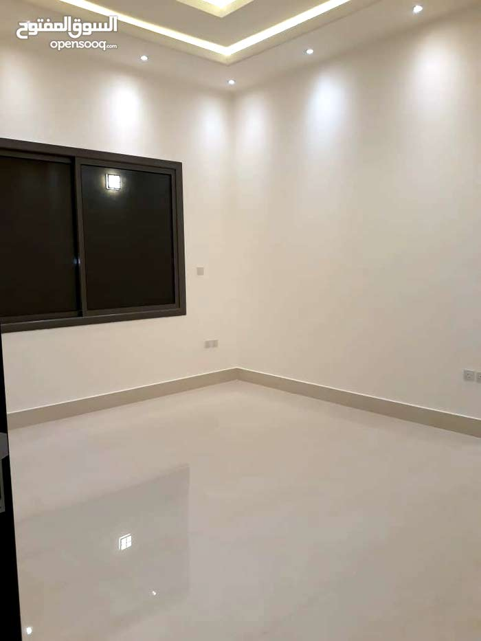 excellent finishing palace for sale in Al Riyadh city - Al Yasmin