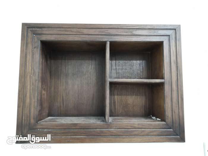 ديكور خشبي لإغلاق فتحات مكيف الشباك