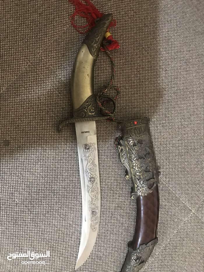 خنجر يدوي قديم بيد نحاسيه
