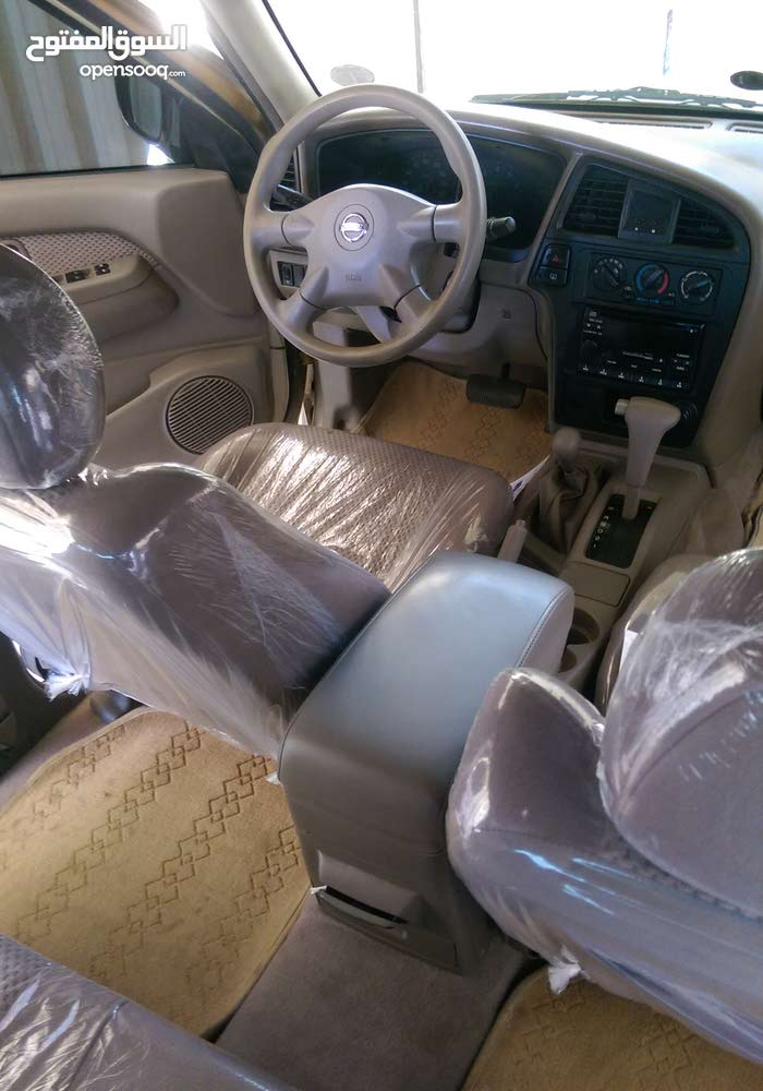 For sale Nissan Pathfinder car in Al Ain