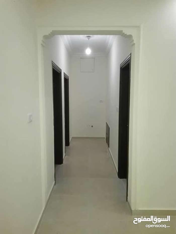 شقة الايجار فارغة طابق اول سوبر ديلوكس لم تسكن بعد
