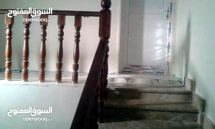 توجد فيلا راقية جديدة دورين جهة صلاح الدين خلة الفرجان شارع الابل علي واجهتين