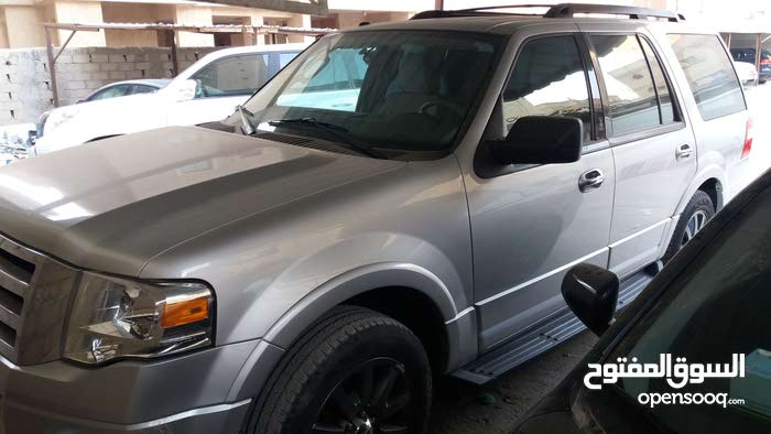 Ford Expedition car for sale 2012 in Hawally city
