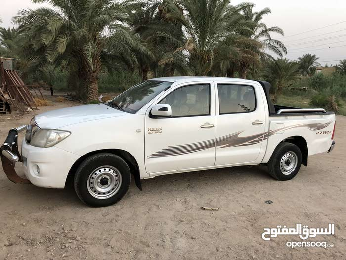 Toyota Hilux made in 2011 for sale