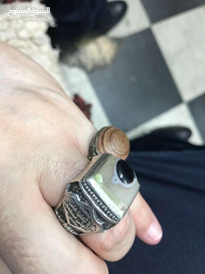 خاتم مميز بحجر كريم ((مدينة العين ))