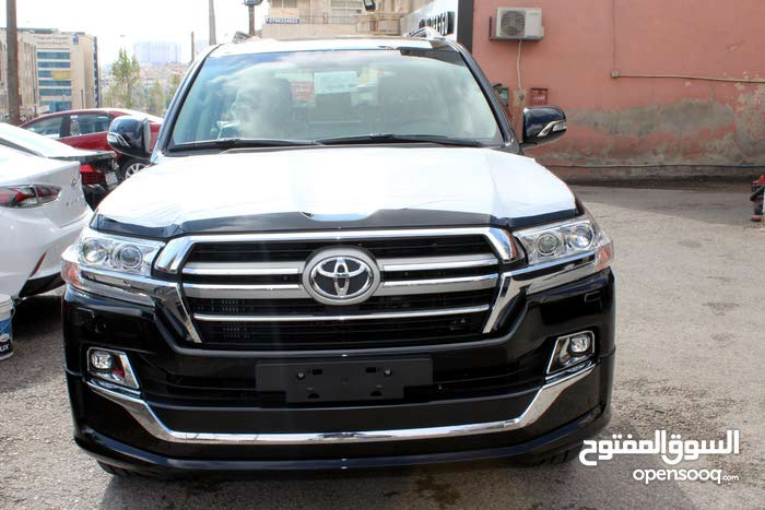 Automatic Toyota 2019 for sale - New - Amman city