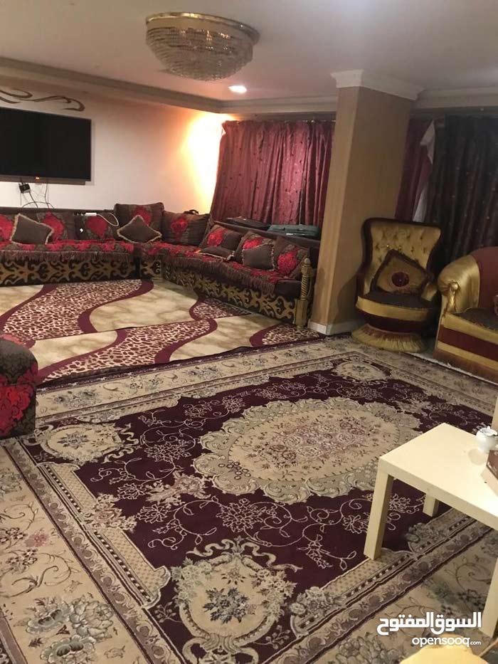 غرفة للسكن ( سيدات ) الفروانية