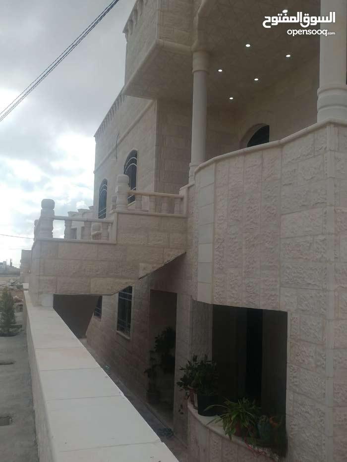 Aydoun neighborhood Irbid city - 150 sqm apartment for rent