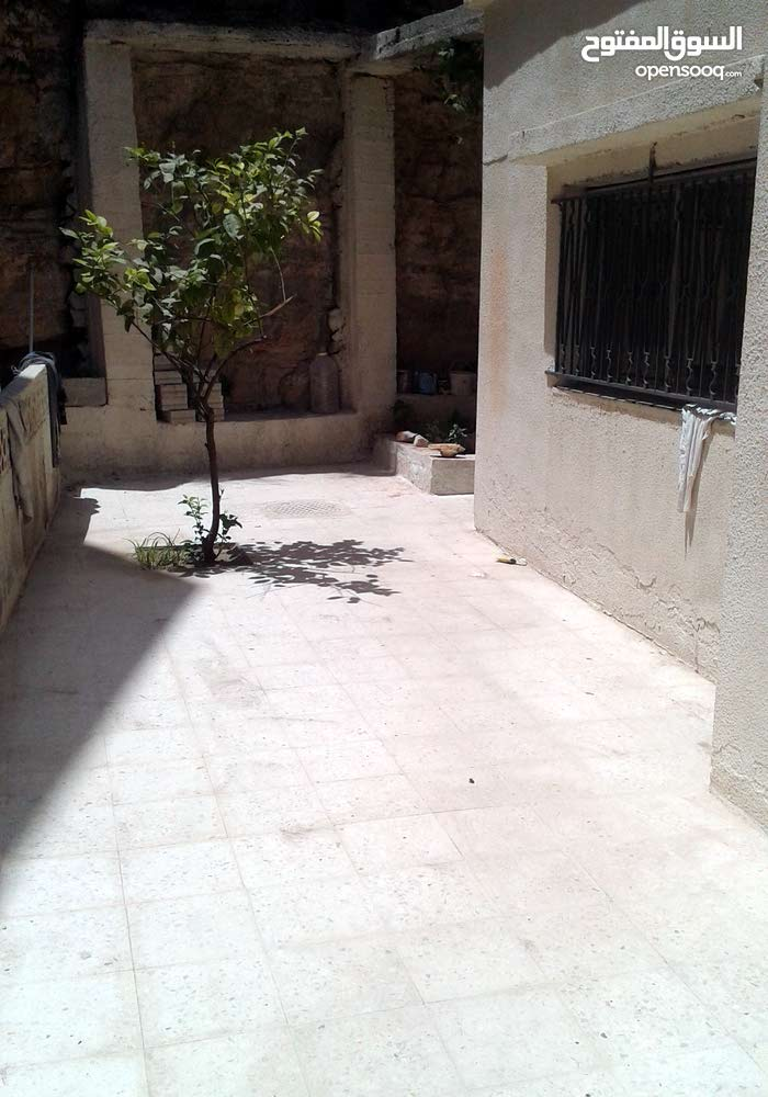 3 rooms  apartment for sale in Amman city Hai Nazzal