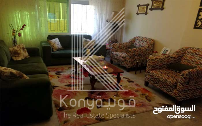 شقة للبيع موقع مميز في دير غبار