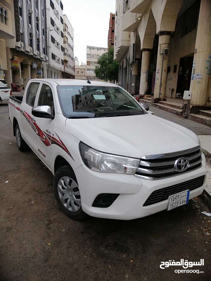 Toyota Hilux made in 2016 for sale