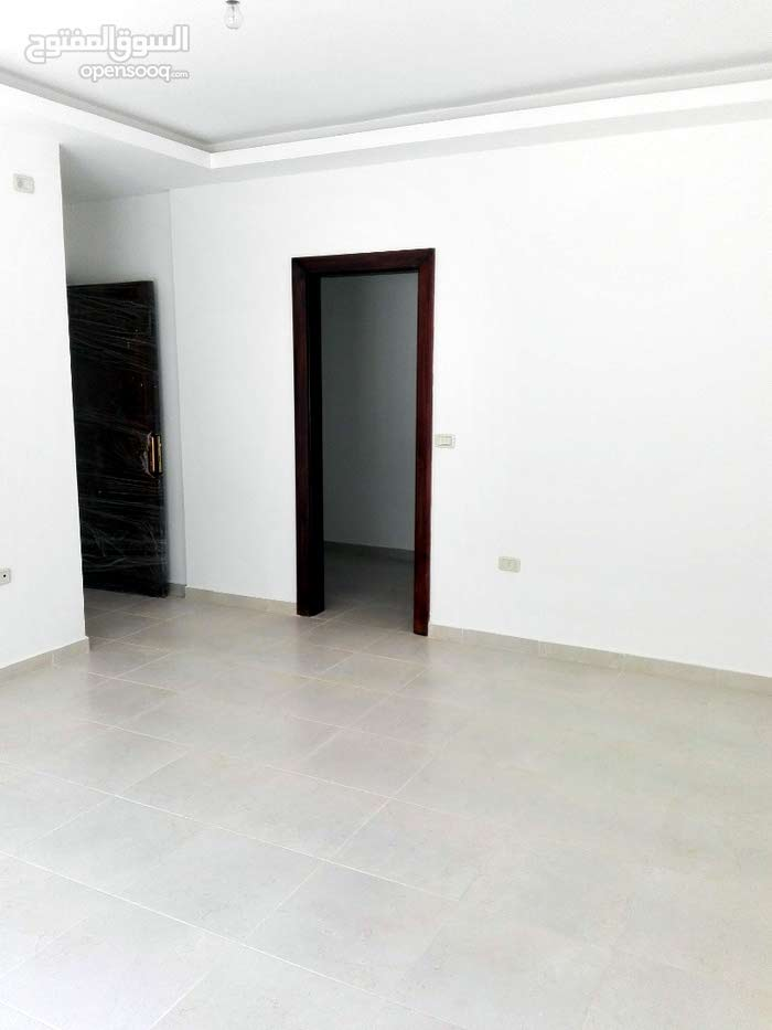 4 rooms  apartment for sale in Amman city Airport Road - Manaseer Gs