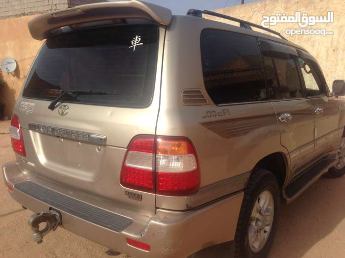 Used condition Toyota Land Cruiser 2004 with 20,000 - 29,999 km mileage