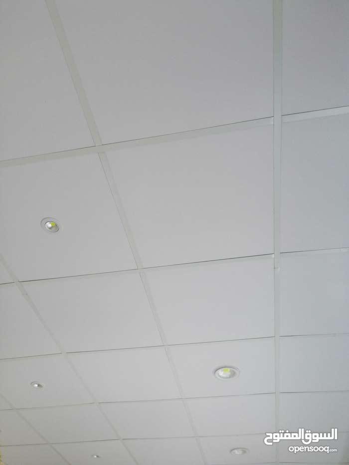 فترينا حلويات 3متر وبار رخام 3 متر وصقف معلق  5×3.5 وسبط عدد12 للبيع اعلى سعر