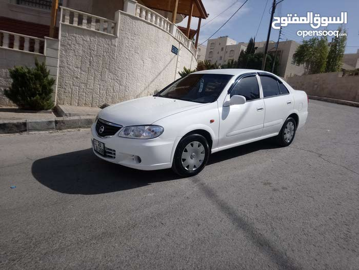 Nissan Sunny 2012 - Automatic