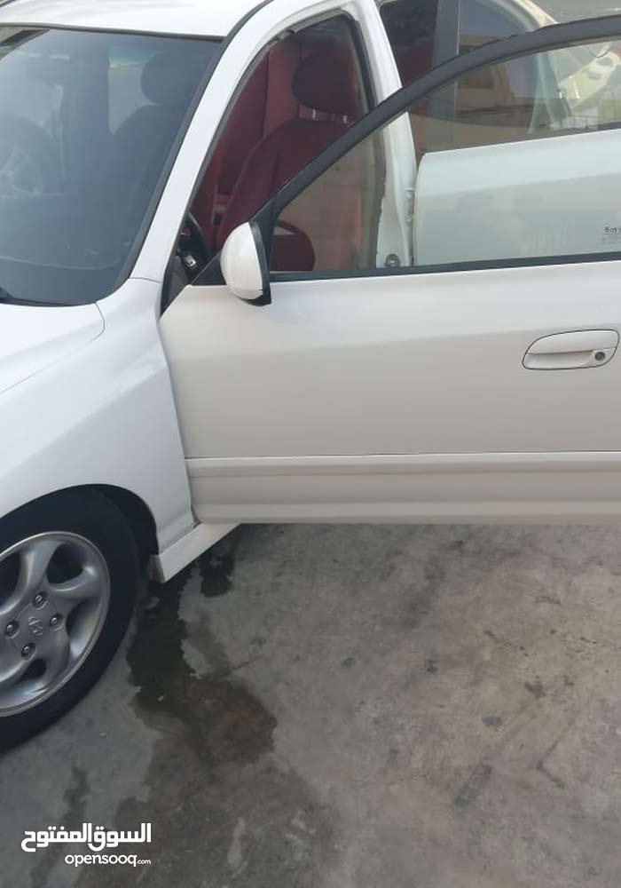 Hyundai Avante 2003 For sale - White color