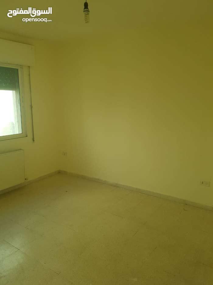 شقة بموقع متميز للاستثمار او التاجير للبيع