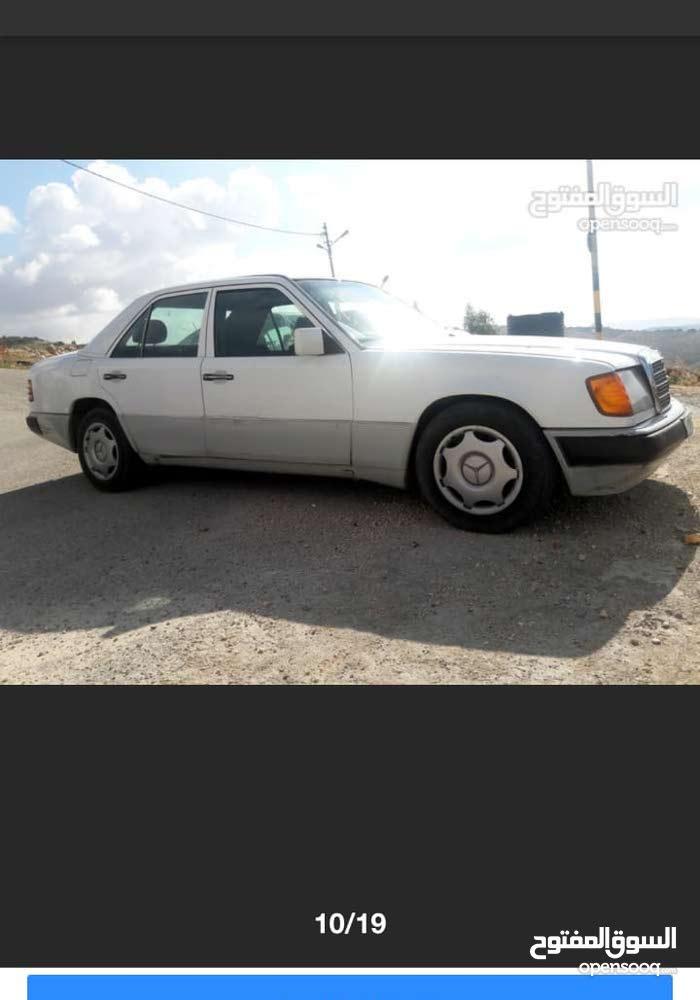 Available for sale! 140,000 - 149,999 km mileage Mercedes Benz E 200 1990