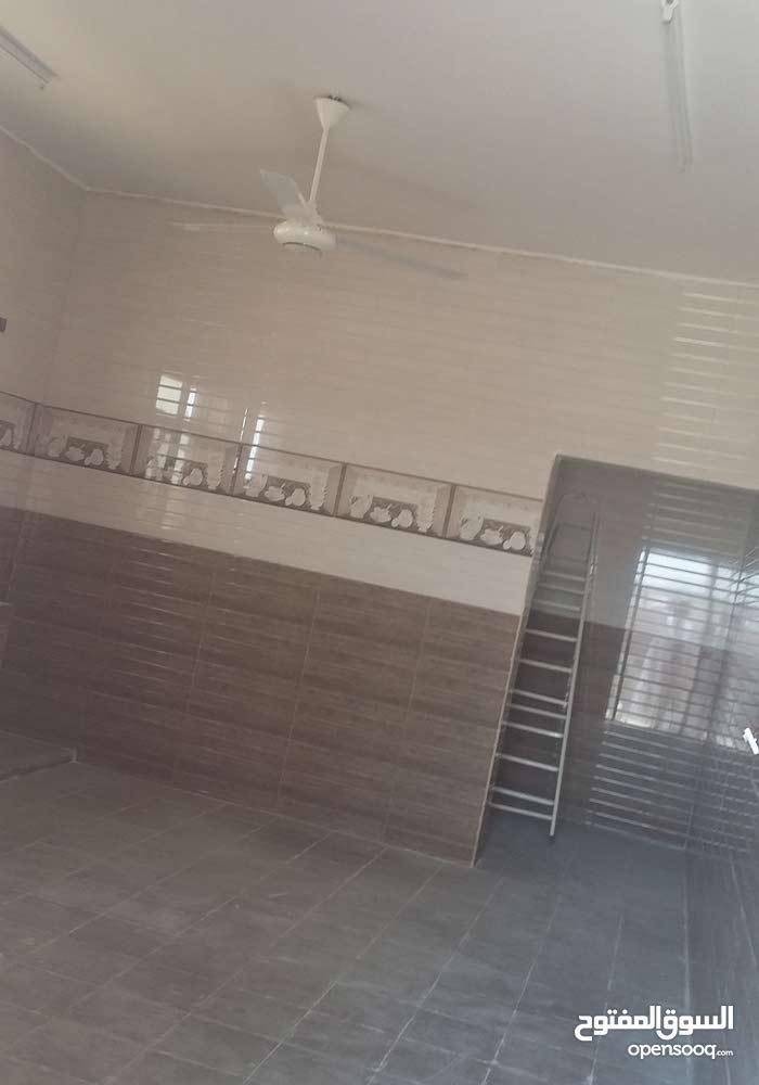 منزل للبيع الحوقين مخطط حي الباطن المرحله الاولي بالقرب من المدرسه