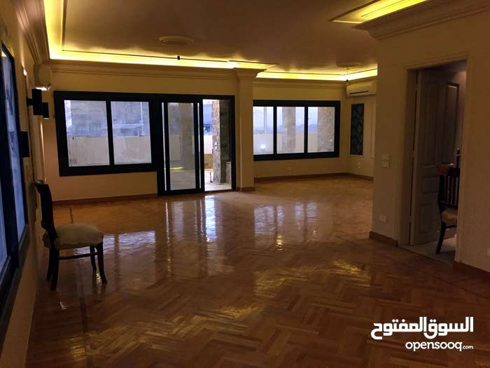 شقة للبيع بالمهندسين لبنان