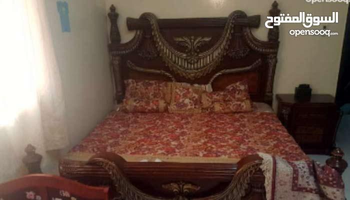 سرير نوم واحد يتسع لشحصين 2كومدينا 1كبت ملابس كبير1خزان ادراج(واتس اب0523667317)
