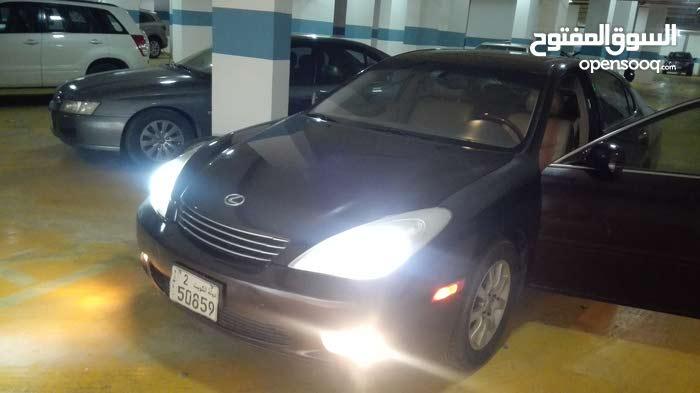 +200,000 km mileage Lexus ES for sale