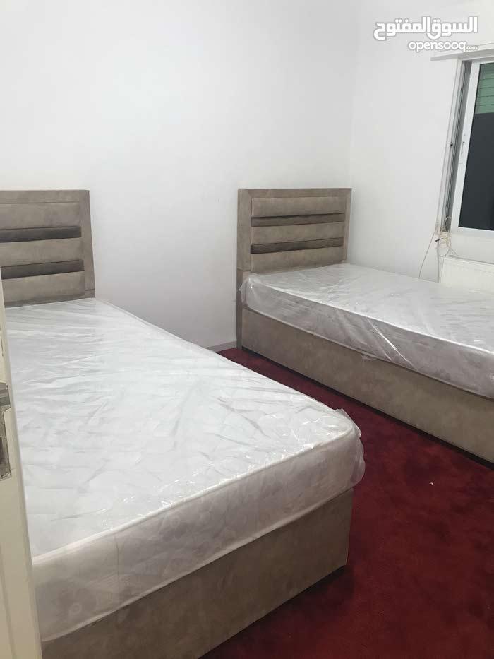 سرير شغل خاص مواصفات ممتازة نجارة وتنجيد فخم مخزن