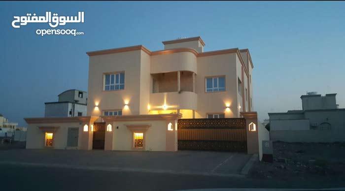 شقة بعد مركز شرطة الخوض حلة النصر