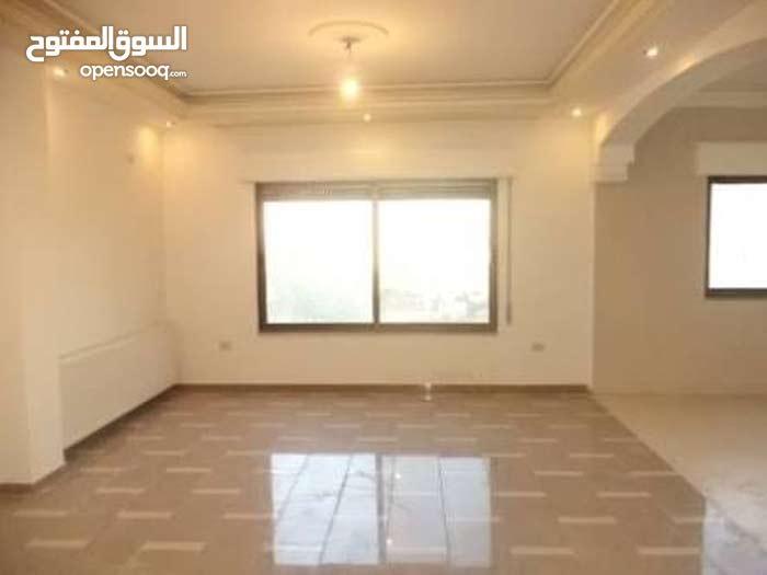 شقة للبيع تشطيب علي اعلي مستوي مساحة 400م
