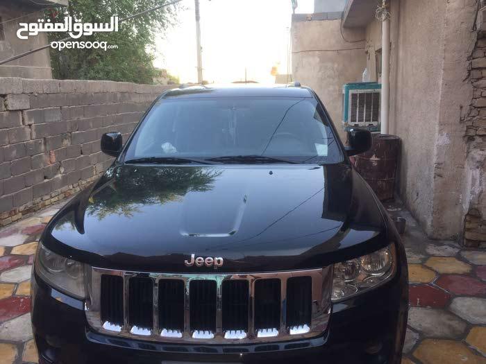 ياالله عندي للبيع سيارة جيب شيروكي موديل 2012