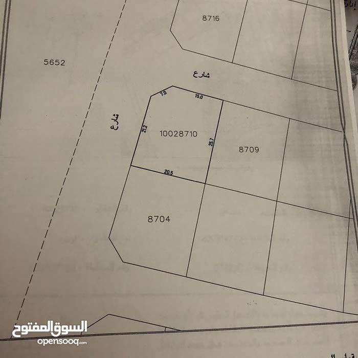 للبيع ارض سكنيه شارعين وزاوية في مدينة حمد
