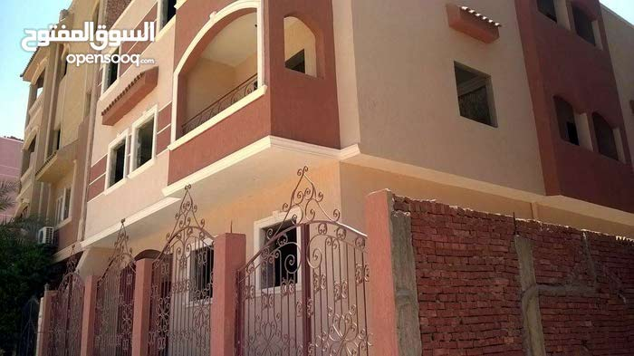 عمارة للبيع بمدينة الشروق