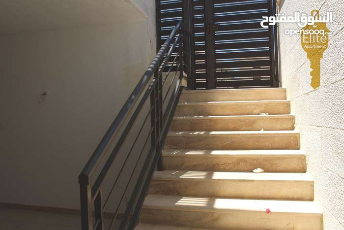 شقه طابق تسويه للبيع في الاردن - عمان - حي الصحابه