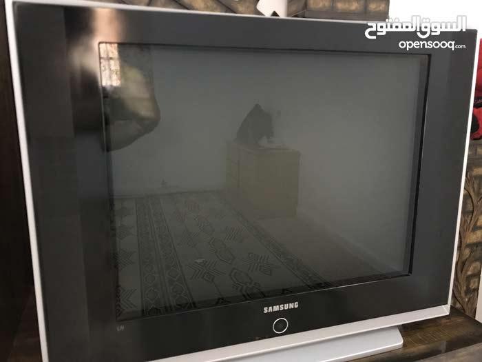 تلفزيون 32 بوصةة مستعمل و موجود بالصورهه و نظيف و بتمنى عدم التبخيص