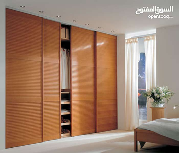 خزانة حائط للبيع بطول 360 سم وارتفاع 280 سم