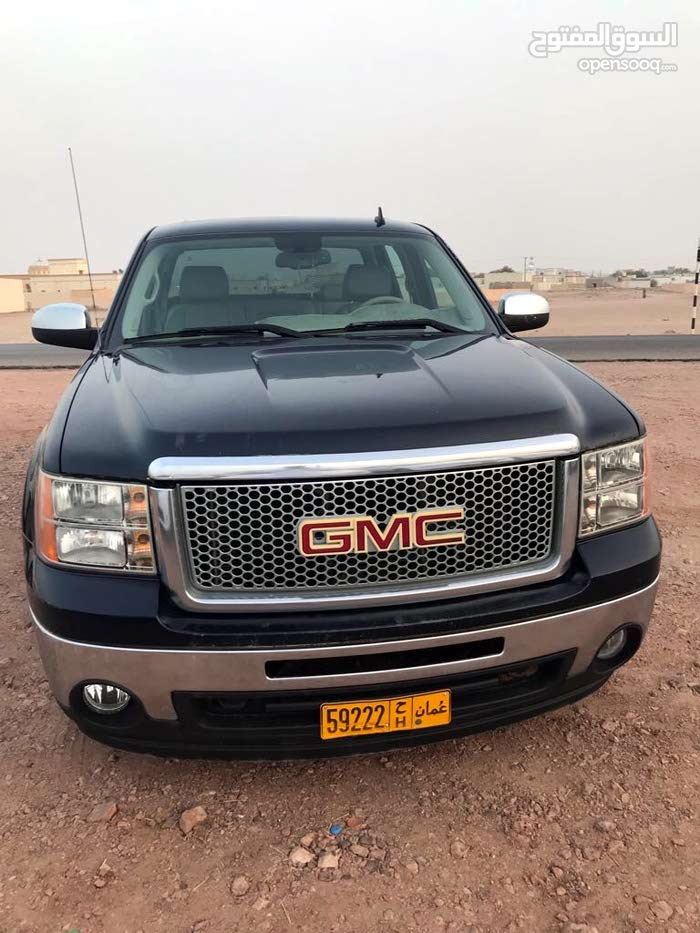 GMC Sierra car for sale 2008 in Sumail city
