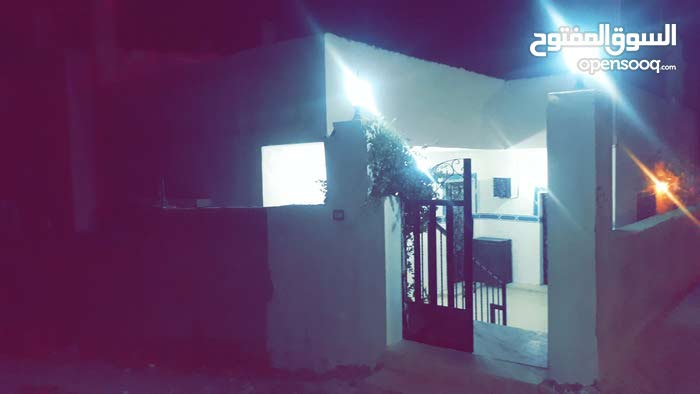5 rooms  apartment for sale in Zarqa city Al Hashemieh